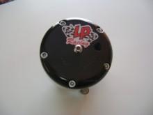 Válvula Blow Off de alta vazão, produzida em tornos CNC com sistema de vedação por pistão de 50mm e componentes internos com tratamento térmico o que garante menor desgaste e maior vida útil. Nossa válvula é fornecida com Abraçadeira V-Band de Aço Inox, anel O-Ring e flange de Alumínio. 700cv